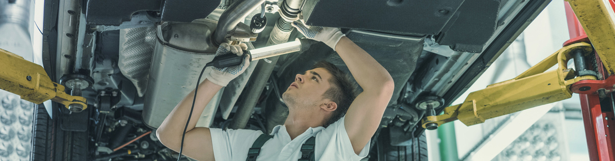 Mechanic doing an MOT - MOT Sutton in Ashfield